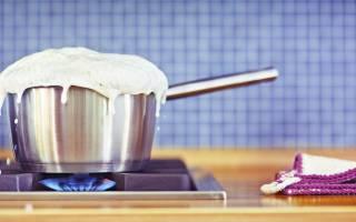 Как убрать запах пригоревшего молока