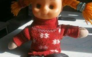 Как сделать одежду для кукол из носков?