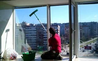 Как помыть окно снаружи на высоком этаже?
