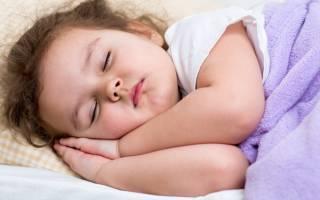 Какую подушку выбрать для ребенка 1 года?