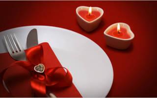 Как украсить стол на 14 февраля?