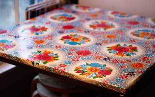 Как убрать запах с новой клеенки на стол?