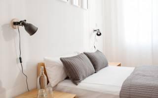 На какой высоте вешать бра над кроватью?