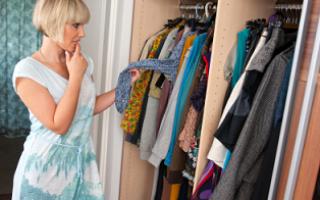 Как избавиться от запаха в шкафу?