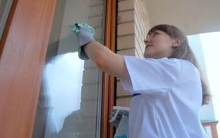 Как вымыть окна на лоджии со стороны улицы?