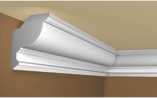 Как клеить полиуретановый потолочный плинтус?